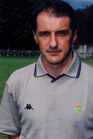 Hoy hace 21 años. Faruk Hadzibegic entrenador del Betis.