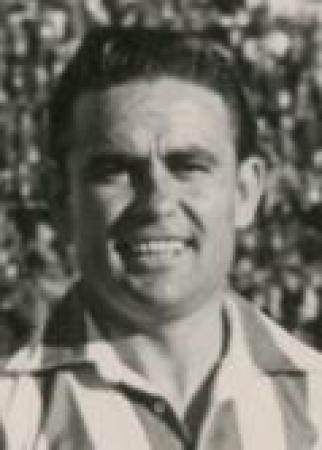 Hoy hace 76 años. Debut de Antonio Conde.