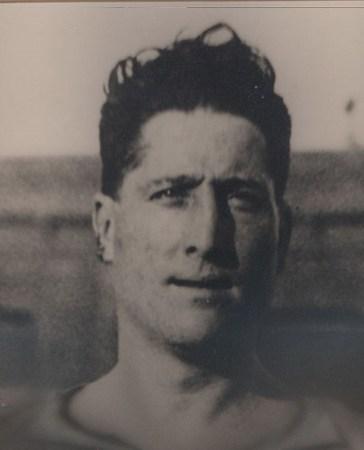 Hoy hace 125 años. Nace Juan Artola.