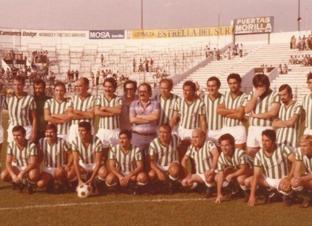 El equipo de la prensa en el homenaje a Vicente Bru en  1978.