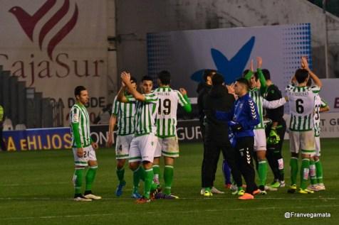 Aplausos a la aficion (Betis - Tenerife 14/15)