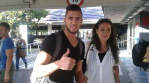 El joven lateral egipcio ya ha aterrizado en Sevilla. Fotografía: alfinaldelapalmera.com