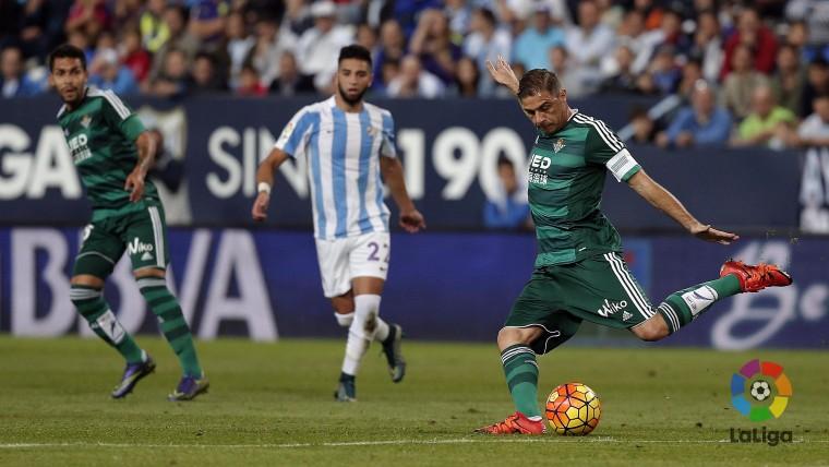 Joaquín (Málaga 0-1 Real Betis, 15-16)