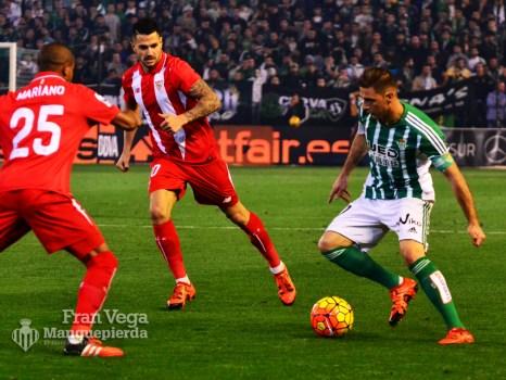 Joaquín en banda izquierda todo el partido (Betis-Sevilla 15/16)