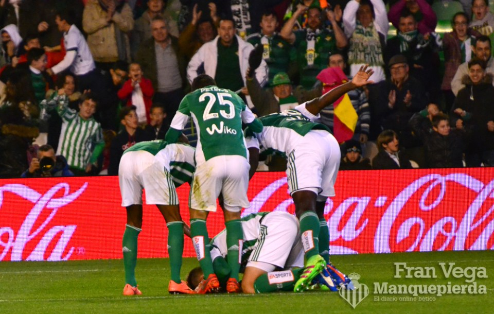 Celebra Pezzella su primer gol  (Betis-Sporting 15/16)