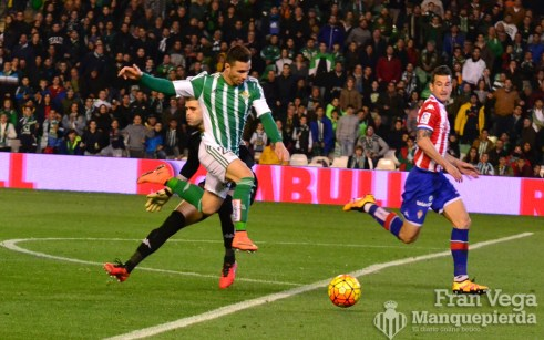 Ruben se marcha del portero (Betis-Sporting 15/16)