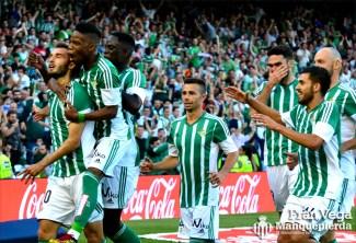 celebracion de todo el equipo (Betis-Getafe 15/16)