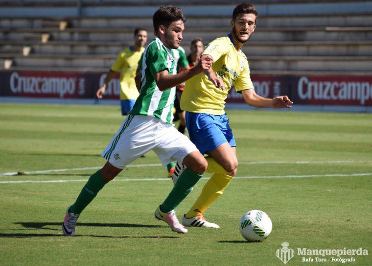 Sergio Navarro volvió a marcar y fue de los mejores del Betis B.