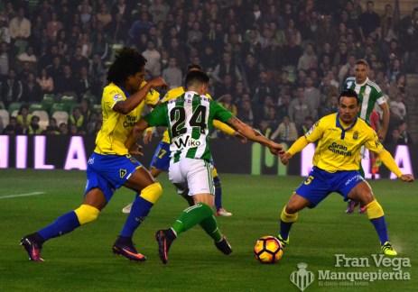 Ruben dispara a porteria (Betis-Las Palmas 16/17)