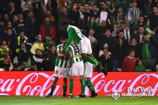 Los jugadores celebrando el gol (Betis-Athletic 16/17)