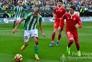 Ceballos aguanto la primera parte (Betis-Sevilla 16/17)