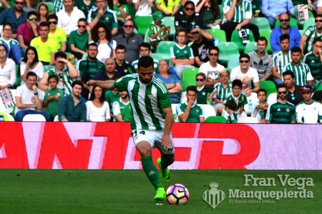 Durmisi lo intento de libre directo (Betis-Eibar 16/17)