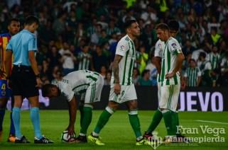 Sanabria y León se rifan el penalti (Betis-Valencia 17-18)