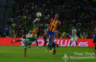 Acrobacia de Sergio León (Betis-Valencia 17-18)