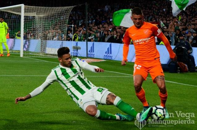 Sanabria las pelea todas(Betis-Malaga 17-18)