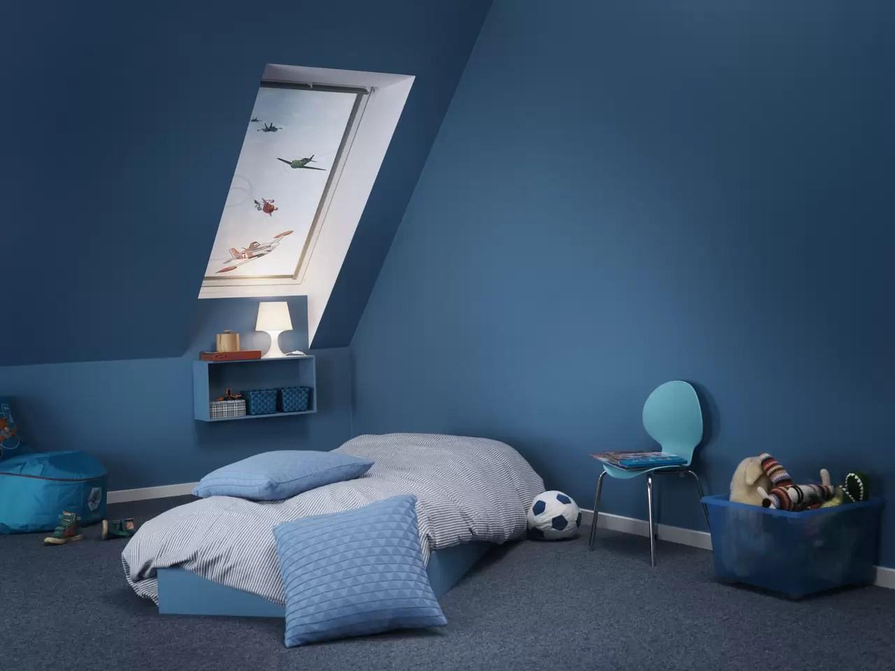 Una camera da letto blu per riposare meglio  Mansardait