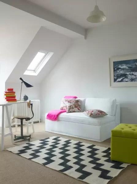 Una stanza per gli ospiti in mansarda  Mansardait