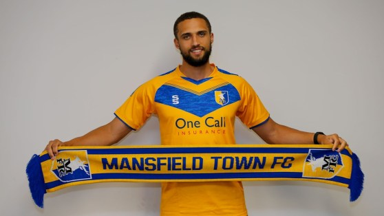 Stags sign experienced striker - News - Mansfield Town