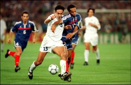 NETHERLANDS - JULY 02: Euro 2000 final: France - Italy: 2 - 1 in Rotterdam, Netherlands on July 02, 2000 - Thierry Henry and Alessandro Nesta. (Photo by Pool MERILLON/STEVENS/Gamma-Rapho via Getty Images)