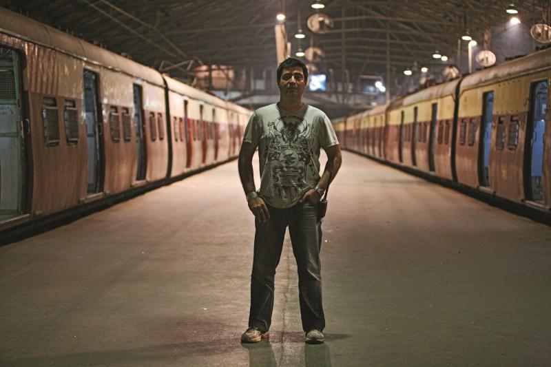 TN on Slumdog Millionaire Set-resized