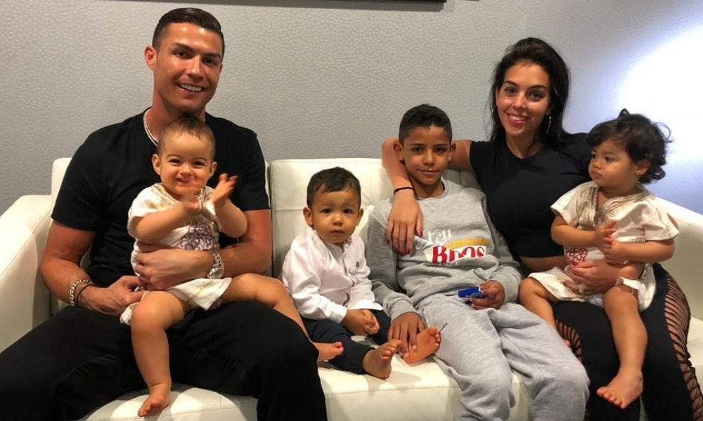 Big Fat Family: Cristiano Ronaldo Children And Girlfriend