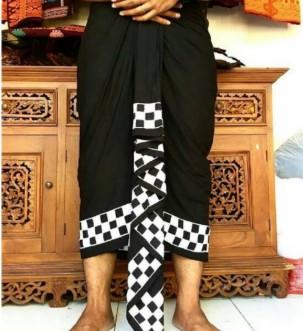 Penjelasan mengenai pakaian adat tradisional Bali yang unik