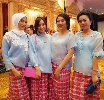 6 Nama Pakaian Adat Daerah Sulawesi Selatan dan Gambarnya