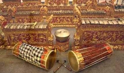 Ulasan gambar yang terhubung dengan alat musik Bali