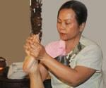 acupressure-foot-massage