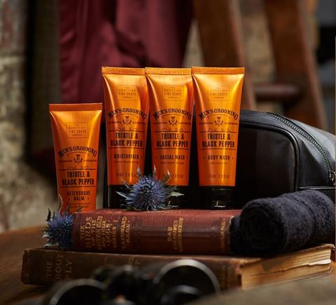 Thistle & Black Pepper Grooming Bag set