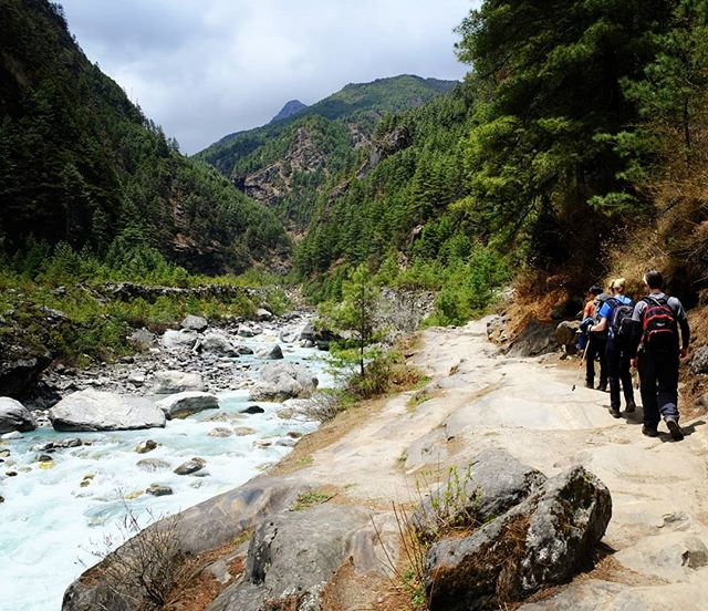 en route to everest base camp trek