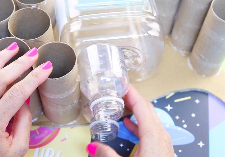 como reciclar botellas plásticas en casa