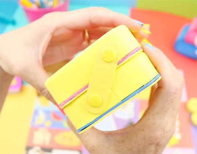 manualidades de emojis con carton