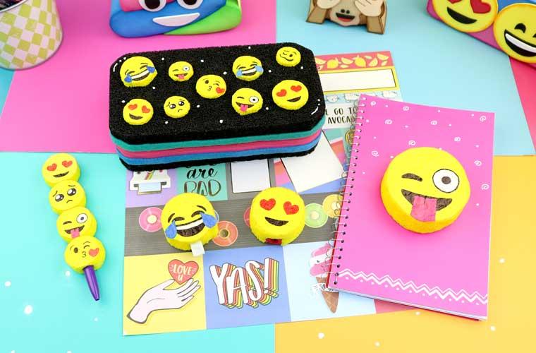 útiles escolares de emoji