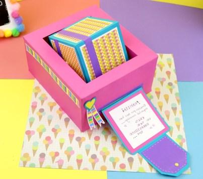 Caja Regalo con tarjeta extensible