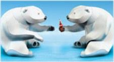 Papercraft imprimible y armable de dos osos polares tomando Coca Cola. Manualidades a Raudales.