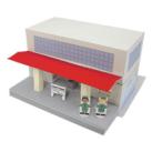 Papercraft imprimible y armable de una estación de tren / train station. Manualidades a Raudales.