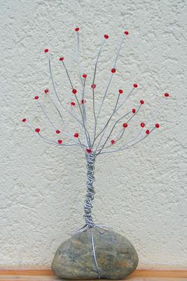 Reciclaje de piedras rbol de adorno con alambre y piedra