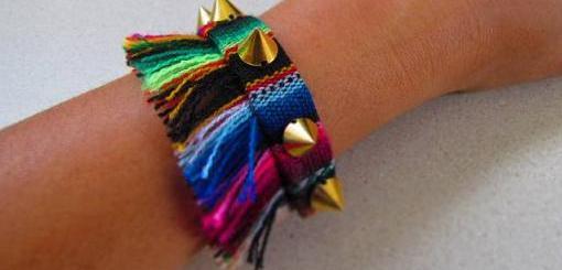 pulsera-de-tela-etnica-y-con-tachuelas