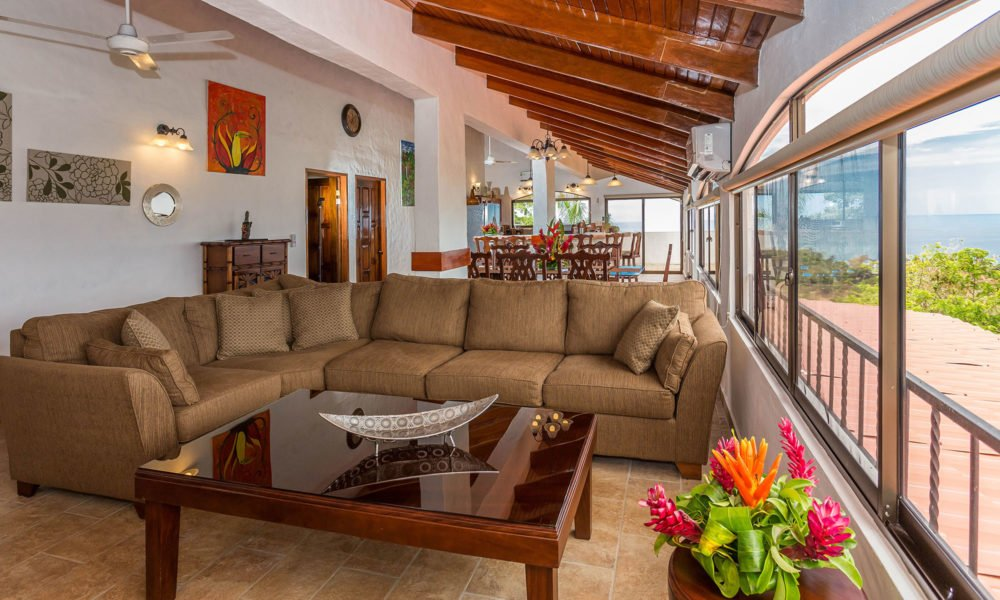 Casa Moreno – A Lavish Vacation Villa of Its Own