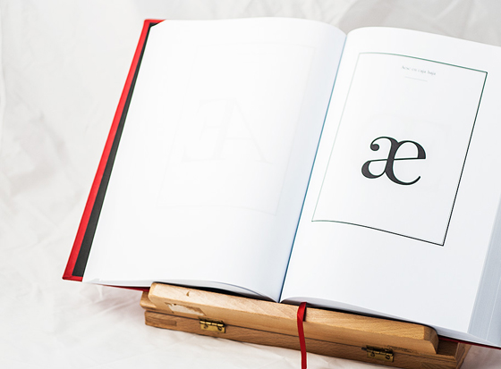 Valentina, tipografía de Pedro Arilla. Æ minúscula