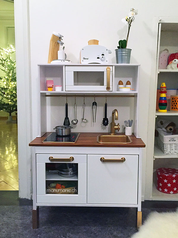 DIY-Playkitchen-Ikea_manumanie2