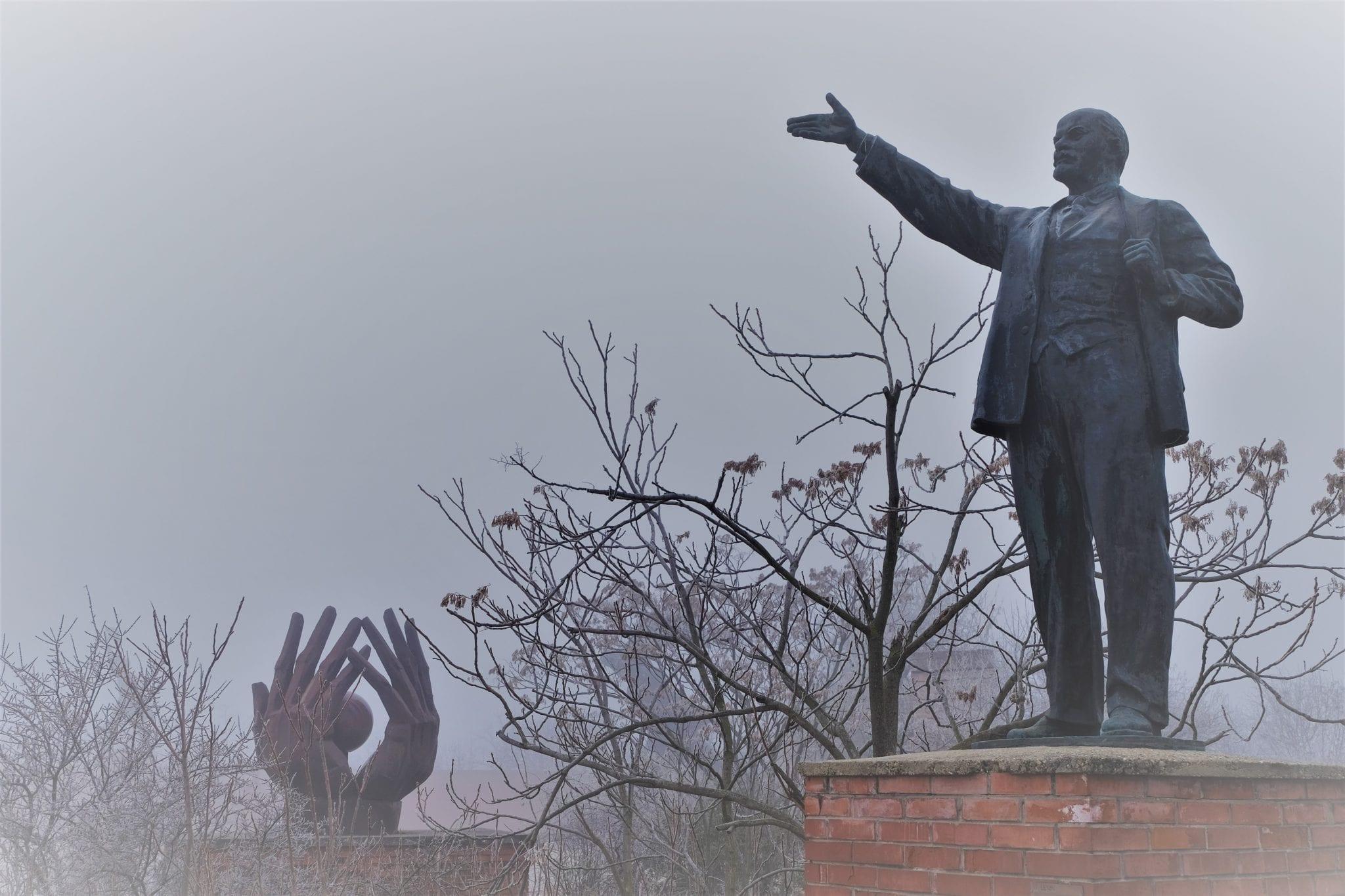 stalin statue in memento park