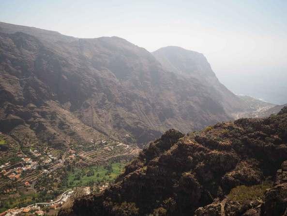 La vallée de la ville de Valle Gran Rey sur La Gomera.