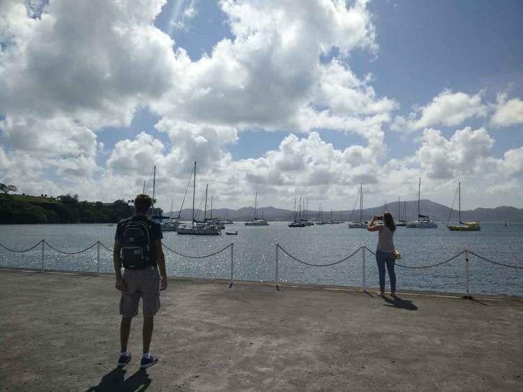 La jetée et le mouillage de Fort de France, en Martinique.