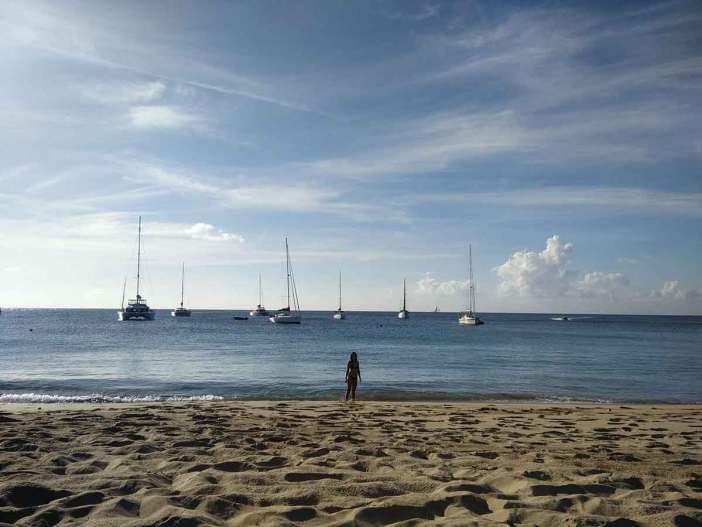 Plage de Saline Bay, sur l'île de Mayreau, aux Grenadines.