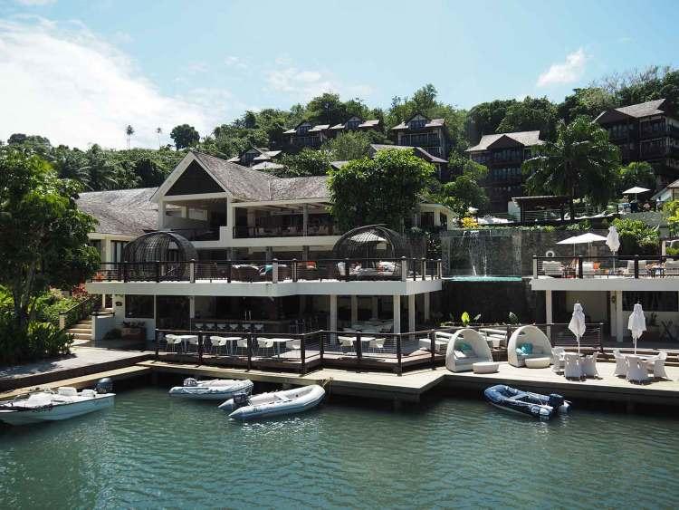 Le resort de la marina de Marigot Bay à Sainte Lucie.