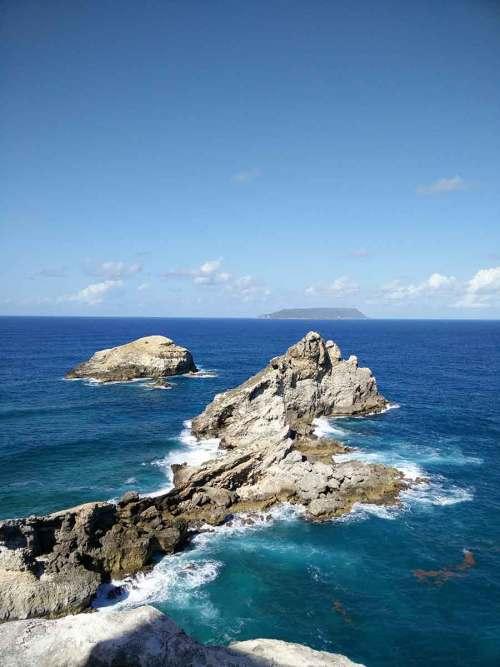 La belle pointe des châteaux à l'extrémité est de la Guadeloupe.