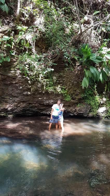 Randonnée dans la rivière de Bras de Fort sur la Basse-Terre, en Guadeloupe.