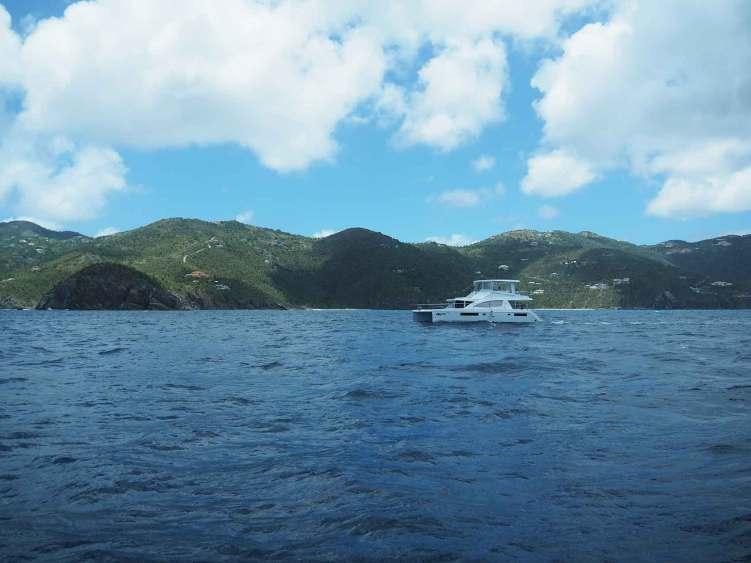 Catamaran à moteur Moorings aux BVI.